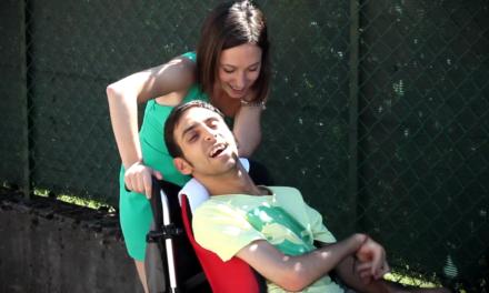 Le scuse ritardatarie: Canzone d'amore e disabilità